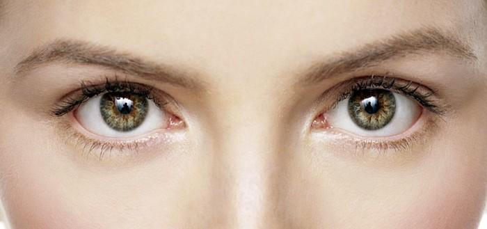 imagem meramente ilustrativa com foco nos olhos de uma mulher